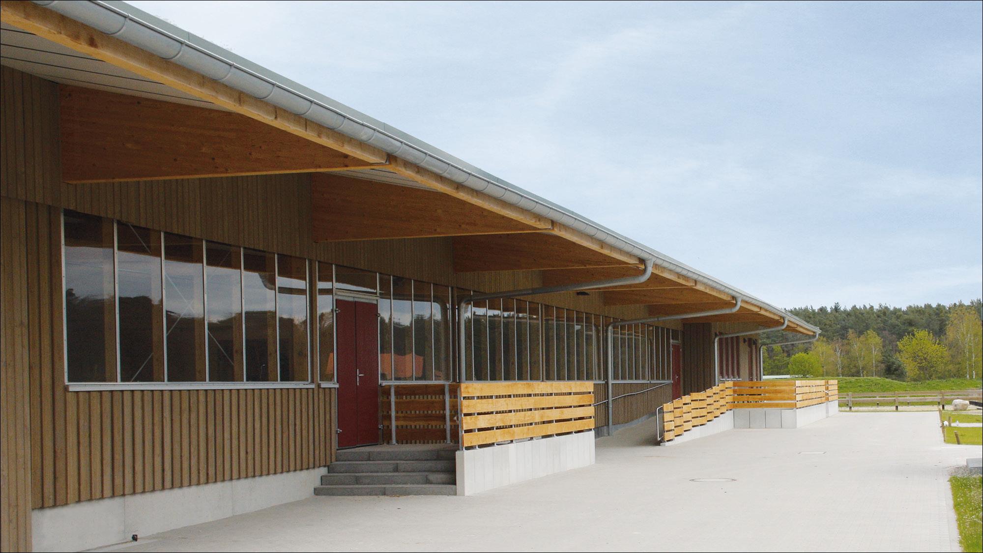 hubertushof-freitag-pferdestallungen-reithalle-2012-02