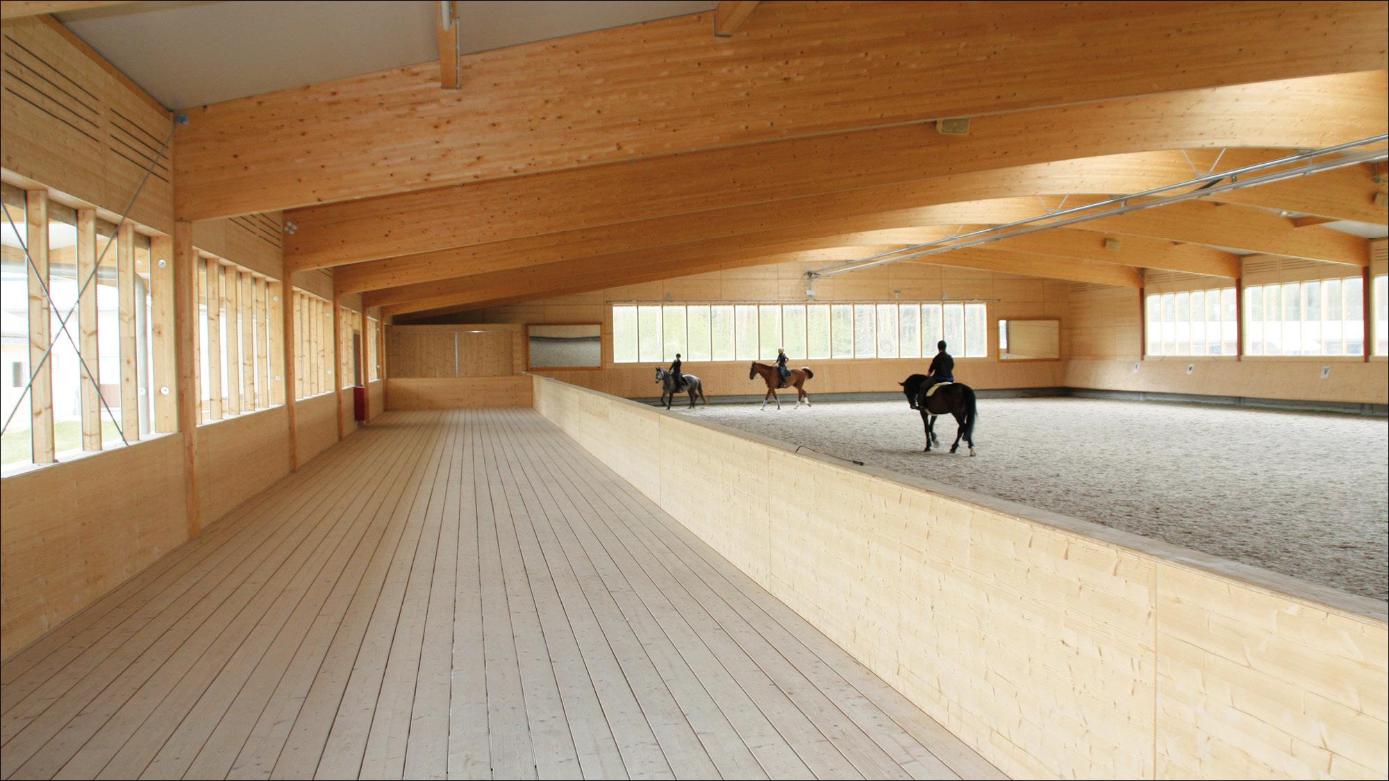 hubertushof-freitag-pferdestallungen-reithalle-2012-03