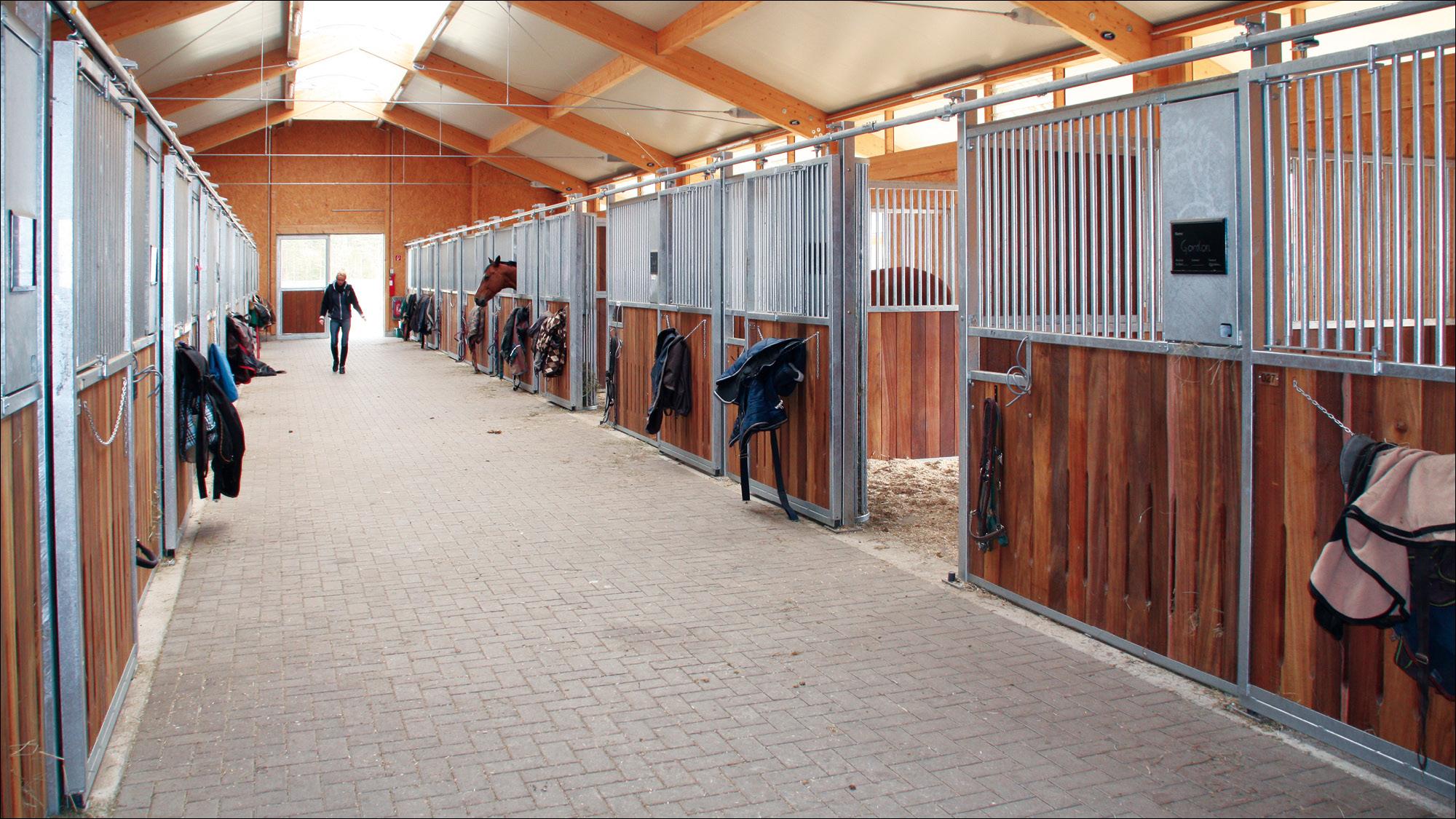 hubertushof-freitag-pferdestallungen-reithalle-2012-11