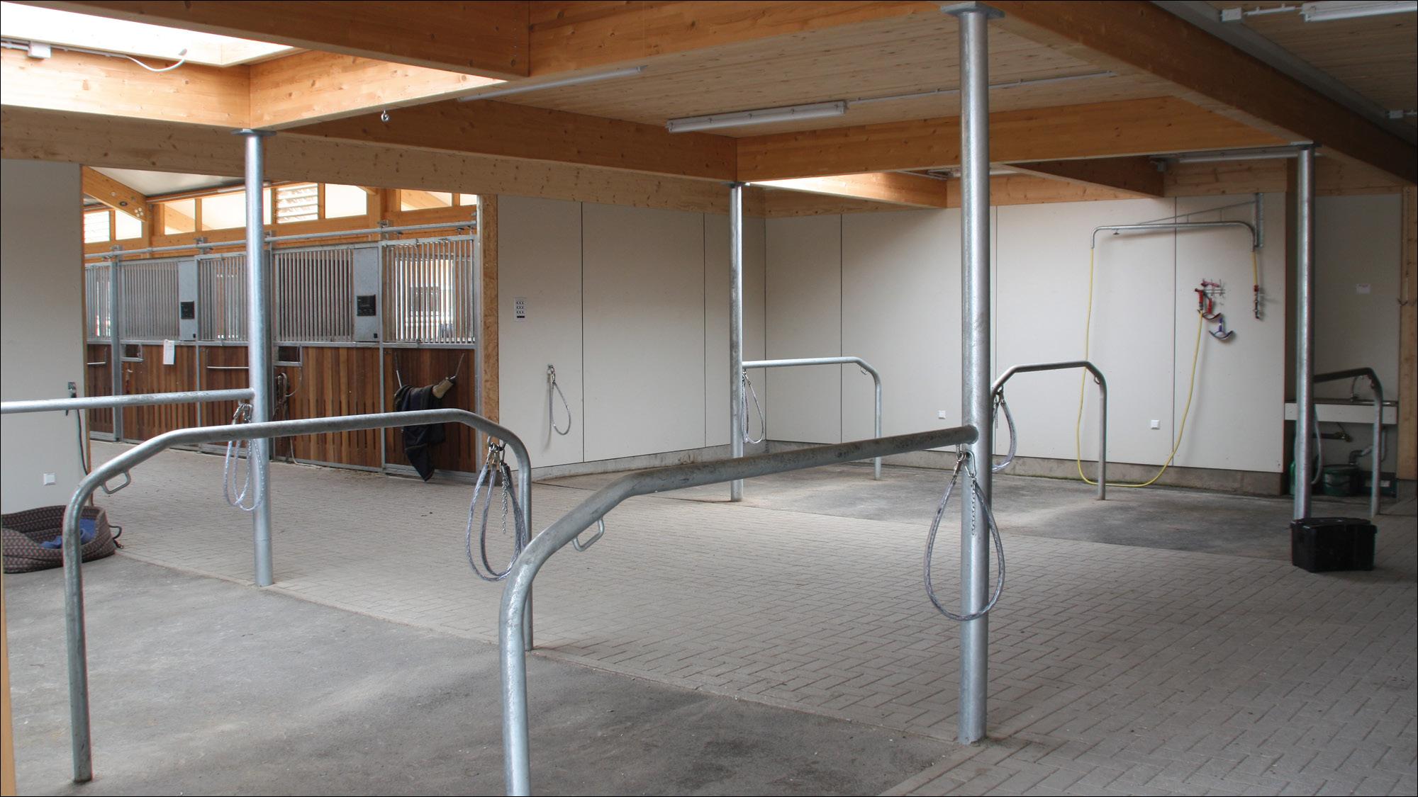 hubertushof-freitag-pferdestallungen-reithalle-2012-12